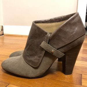 Super trendy Levity ankle boots - Size 8